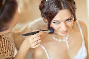 Természetes sminkek és más kozmetikai kezelések.